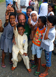 Dmitri with some of the children he met in Aceh in 2005 © Shamarov